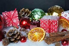 weihnachtsdeko weihnachtsevents lizenzfreie fotos