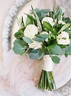 good simple and green for bridesmaid bouquets in 2019