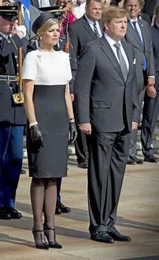 Pin De Tati Marques Em Royalty Vestidos Roupas De Alta