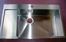 lavello acciaio satinato realizzazione accessori cucina in acciaio su misura venezia