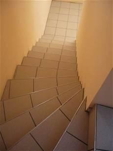 Gewendelte Treppe Fliesen Anleitung - treppenverlegung