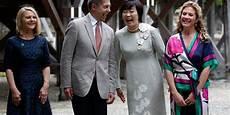 Joachim Sauer Beim G7 Gipfel Allein Unter Frauen