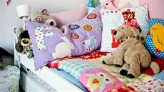 divanetti antichi divanetti per bambini living tra giochi e bambole