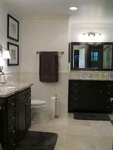 Bad Beige Grau - in this bathroom beige is dominant with pale gray