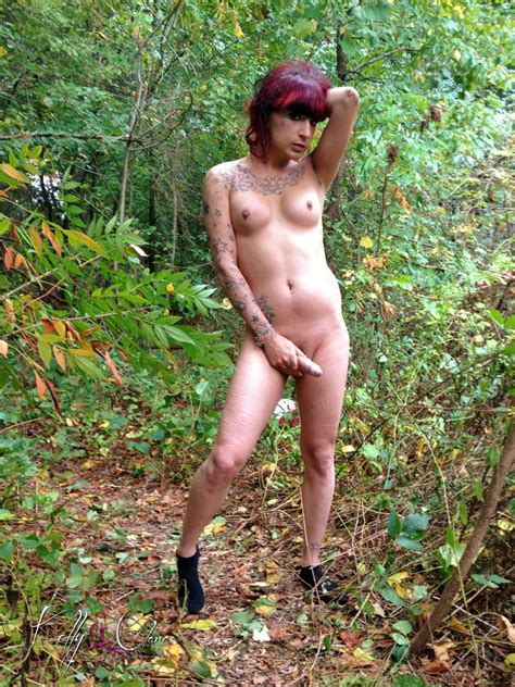 Filthy Kelly Clare Spreads Her Legs In Forest Pichunter