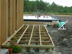 structure terrasse bois pose terrasse bois landes 40 terrasse en bois blanc