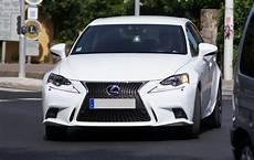 avis lexus is 300h test lexus is 300h hybride 223 cv 21 21 avis 17 4 20 de moyenne fiabilit 233 consommation