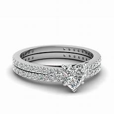 classic delicate heart shaped diamond wedding ring in 14k white gold fascinating diamonds