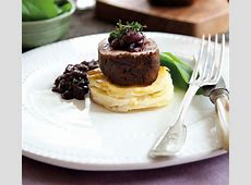 beef tenderloin in cherry sauce_image