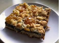 aprikosenkuchen mit streusel mohn aprikosenkuchen mit streuseln rezept mit bild