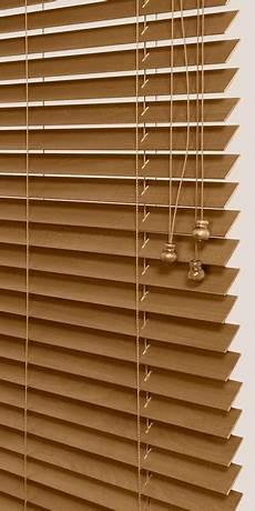 stores vénitiens bois store v 233 nitien bois 100 sur mesure stores en bois