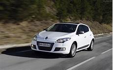 renault megane gt line 2011 widescreen car photo