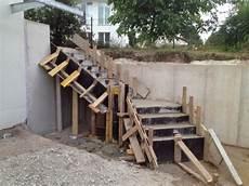 Die Betontreppe Noch In Der Schalung Hausbau Ein Baublog