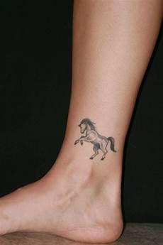 Tattoos Am Knöchel - kn 246 chel 65 t 228 towierungen die auf sich andeuten
