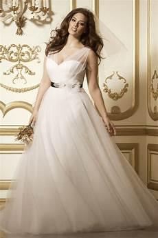 8 amazing wedding dresses for curvy women curvyoutfits com