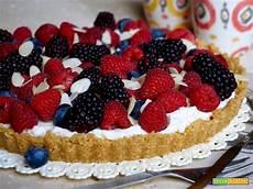 ricetta crostata al mascarpone e frutti rossi paneangeli crostata al mascarpone e frutti di bosco senza cottura ricetta trovaricetta com