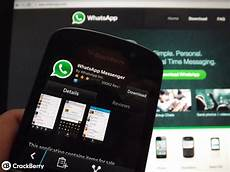 whatsapp for blackberry 10 gets updated once again with new features crackberry com