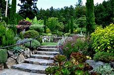 Mediterranen Garten Gestalten - mysecretgarden mediterranean garden the butchart gardens
