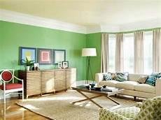 wohnzimmer grün streichen w 228 nde streichen ideen wohnzimmer gr 252 n hell gardinen beige