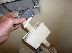réparer une chasse d eau 56444 de moi za voo comment r 233 parer un w c geberit encastr 233 qui fuit