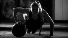 Wallpaper Sports Sitting Fitness Model