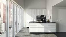 cuisine blanc et noir 85055 cuisines stormer la qualit 233 et le design allemand chez atre et loisirs
