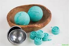 badekugeln selbst herstellen sprudelnde badekugeln mit 228 therischen 214 len selber machen
