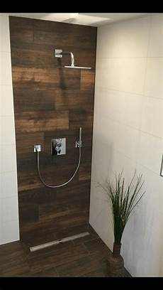 badarmaturen fuer waschtisch dusche und dusche holzoptik fliesen badezimmer dusche fliesen