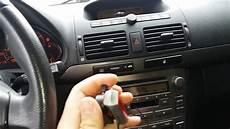 toyota avensis t25 radio aux
