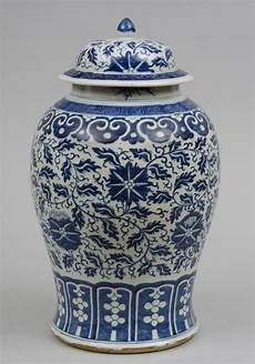 China Porzellan Antik - porcelain baluster shaped vase