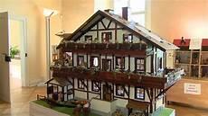 puppenhaus zum selber bauen winfried g 228 rtner stellt selbstgebaute puppenh 228 user aus