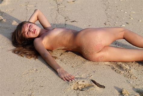 Tiny Naked Girls