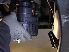 filtre gasoil clio 3 changer le filtre 224 carburant sur renault clio 3
