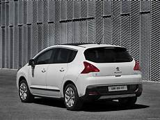 Peugeot 3008 Hybrid4 2012 Picture 9 Of 18