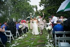 deliberately gets married outdoors in the rain viral video