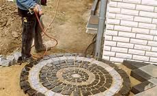 pflastersteine selber machen kreis pflastern bauen renovieren selbst de