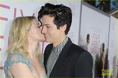 Cole Sprouse Freundin - cole sprouse gets lili reinhart s support at