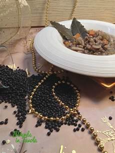 lenticchie a bagno zuppa di grano saraceno lenticchie nere e patate dolci