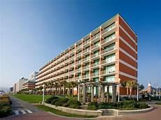 holiday inn hotel suites virginia beach north beach
