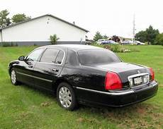 how petrol cars work 2005 lincoln town car auto manual sell used 2005 lincoln town car executive l sedan 4 door 4 6l in littlestown pennsylvania