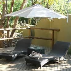 Durch Sonnenschirm Balkon Und Garten Vor Der Sonne Schonen