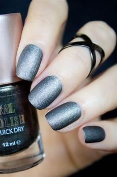 1 2 ways severina gunmetal black matte nail