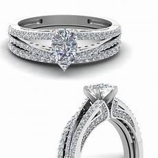 pear shaped diamond wedding ring in 14k white gold