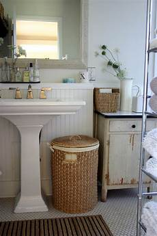 Decorating Ideas For Bathroom Sink by Fabulous Pedestal Sink Decorating Ideas