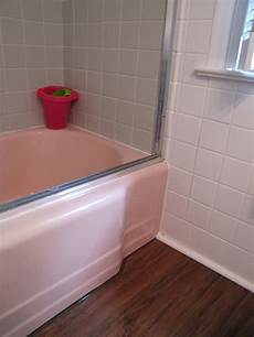 Can Bathroom Wall Tile Be Painted by Painted Tile Diy Great Bathroom Redo Allison Kirchner