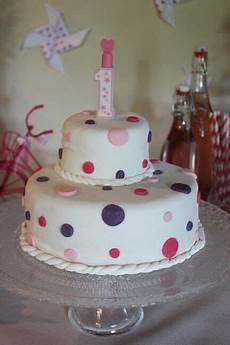 theme anniversaire 1 an g 226 teau anniversaire pour fille 1 an pate a sucre