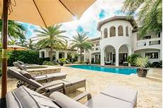 foxx was spiritually awakened by this mansion it s that beautiful