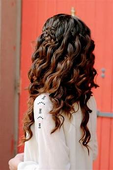 Chic Curly Hairstyles