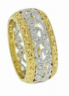 yellow and white gold ring with filigree and engraving