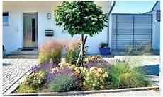 Garten Neu Angelegt Mit Geometrischen Beeten Gestalten